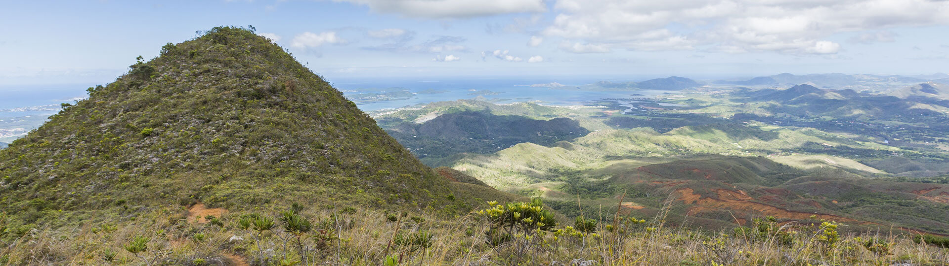 hiking in new caledonia